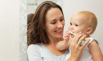Dents de bébé : comment en prendre soin ?