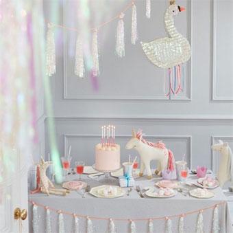 Table anniversaire décorée