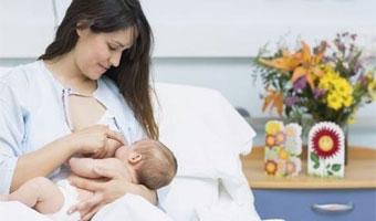 Nutrition de bébé : Quelle alimentation quand on allaite?